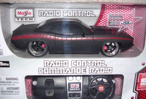Maisto Tech 1970 Plymouth HEMI Cuda Black 1/24 scale  Radio 49 MHz  Control Car
