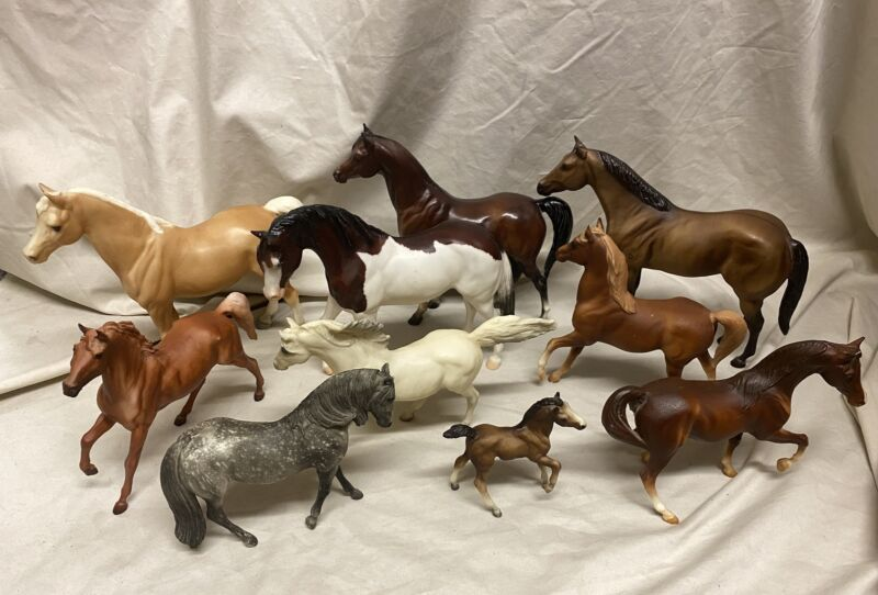 VINTAGE BREYER HORSE MIXED LOT(10)- PRE-OWNED- GOOD CONDITION- SOME PAINT RUBS/S