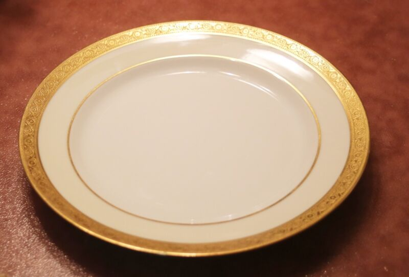 Heinrich & Co. Selb Bavaria detailed gold edge, 9 3/4 dinner plate 10 available