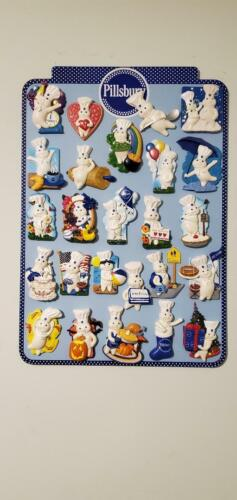 2009 Willabee & Ward Pillsbury Doughboy Magnetic Board w/Complete Set 25 Magnets