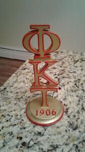 Phi Kappa TauGreek desk stand