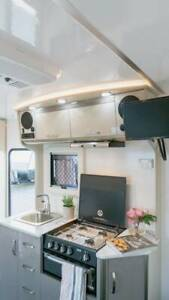 17.6ft Goldstar RV (190L Fridge, Hot Water System, Aircon, Solar) Berkeley Vale Wyong Area Preview