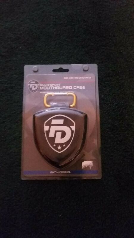 FIGHTDENTIST SHIELD MOUTHGUARD MOUTH GUARD MULTI-SPORT CARRY CASE