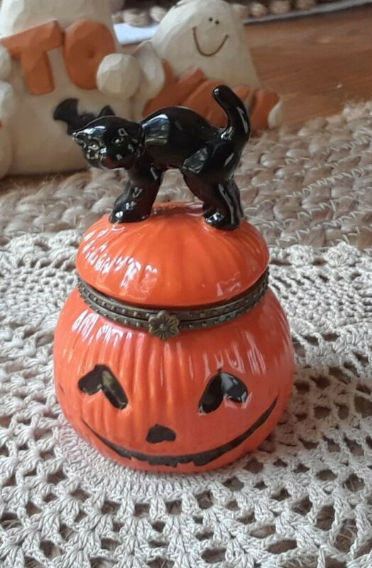 Vintage Halloween Porcelain Pumpkin And Cat Hinged Box