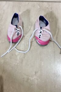 maplelea doll running shoes