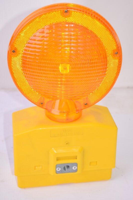 NEW  Hi-Way Safety Eccolite Barricade Light, Signal Light, Traffic Light