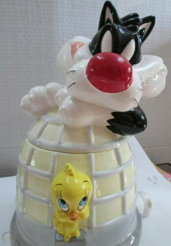 Looney Tunes Sylvester and Tweety Cookie Jar 1995