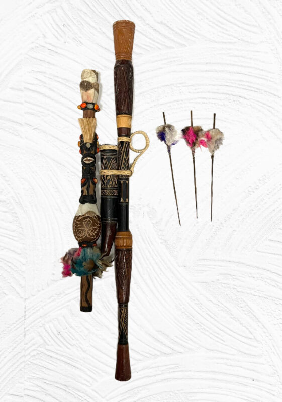 Amazonian Indian Tribal Blowgun w/ Darts Handcrafted  Piranha Teeth Brazil
