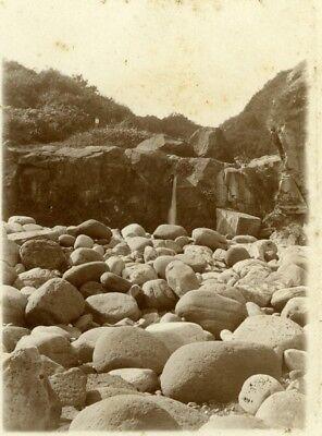 Seaside Rocks - North Yorkshire Scarborough Seaside Rocks Holidays old Amateur Photo 1900