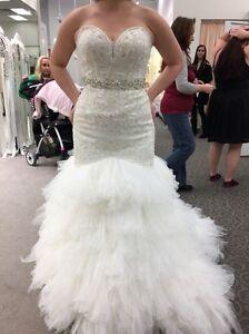 Unique Galina Signature Wedding Gown