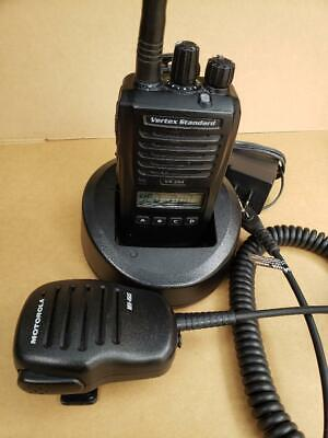 Vertex Standard Vx-264-g7-5 128 Channels Uhf Handheld Two-way Radio - Black