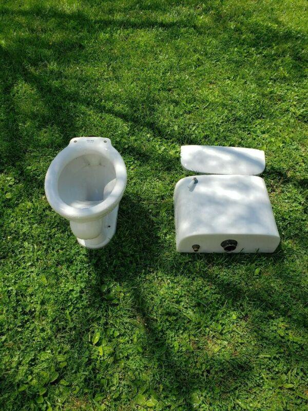 Vintage toilet Ceramic White Porcelain Complete Toilet Bowl TankVintage