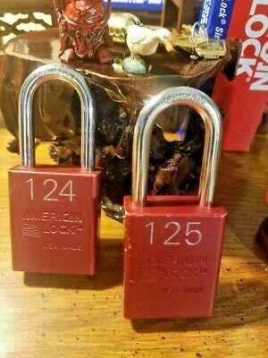2 American Series A1106 1-12 Aluminum Body Red Padlock 2 Shackle Clearance