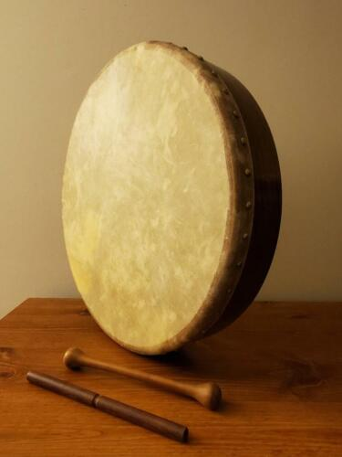 "18"" Bodhrán Drum with Two Tippers"