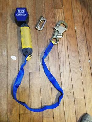 Dbi-sala Self-retracting Lifeline 9 Ft. 420 Lb. 3101366 Blue Free Shipping In Us