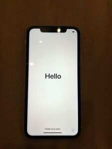 iPhone XR White Mint Condition 32Gb OBO