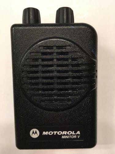 MOTOROLA MINITOR V (5) LOW BAND PAGERS 33-37 MHz  2-CHANNEL NON-STORED VOICE