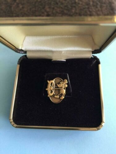 Disney Commemorative Rare Vintage Mickey Pin - At Helm