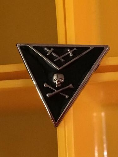 Small Knights Templar Masonic Lapel Tac Pin Skull Crossbones Triangle NEW!