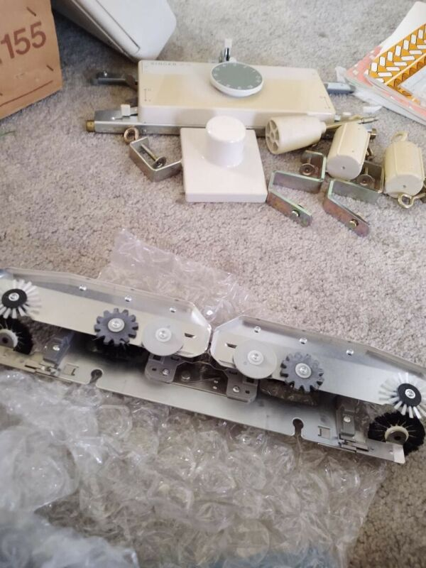 Singer Knitting Machine Model 155, Ribber, Intarsia, Accessories
