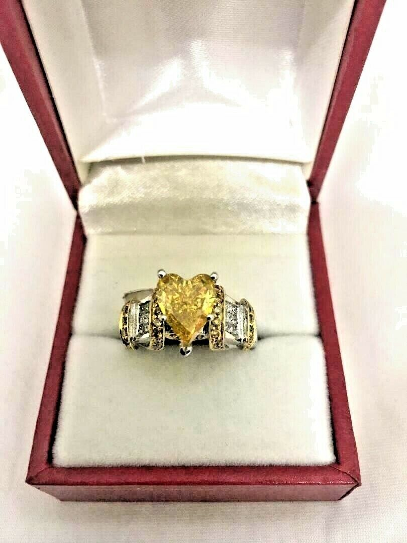 14K WHITE GOLD WITH CANARY HEART SHAPE DIAMOND RING (GIA CERTIFICATE)