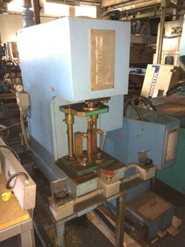 Neff Model D7.5 Gap Frame Hydraulic Press