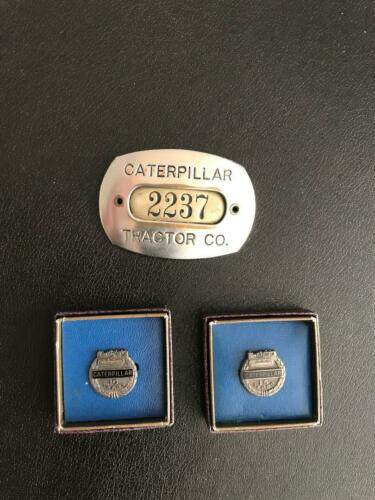 VINTAGE CATERPILLAR TRACTOR CO. EMPLOYEE BADGE WITH 10 & 15 YEAR SERVICE PINS