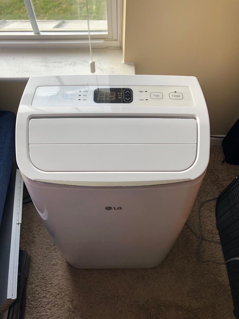 LG AC Floor Unit portable Air conditioner LP0818WNR 8000 BTU