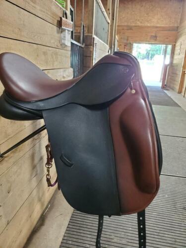 """18"""" Trilogy Verago Dressage Saddle"""