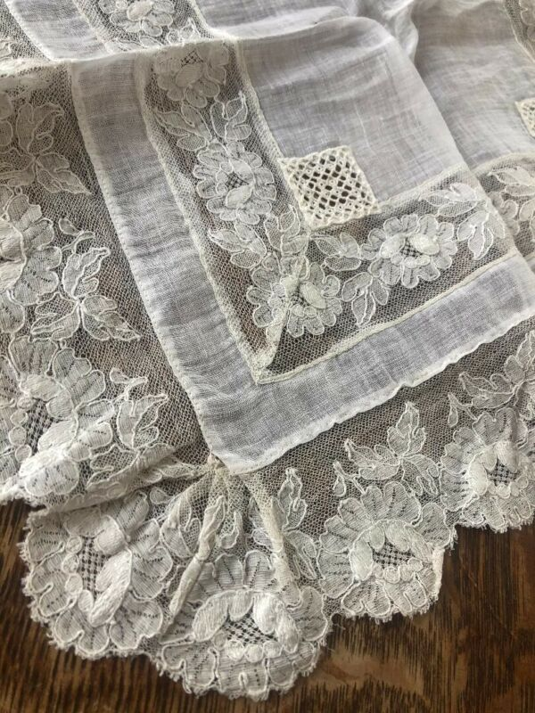 Antique Early 1900s BRIDAL Wedding Linen Floral LACE Hanky Edging Insert Vintage
