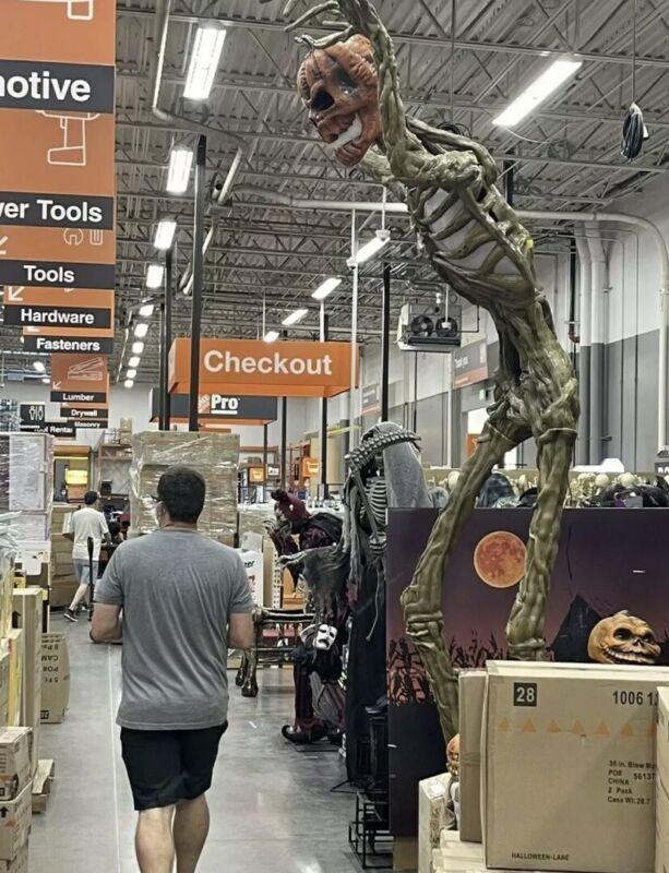 12 FT Inferno Pumpkin Skeleton Rotten Patch LCD Eyes Giant SizedHalloween 2021!