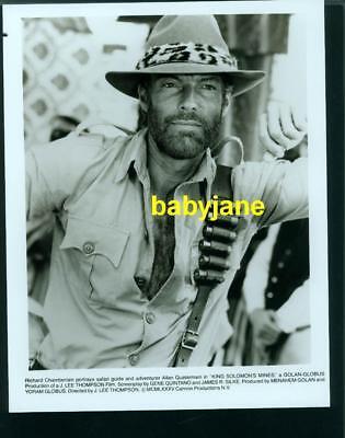 RICHARD CHAMBERLAIN VINTAGE 8X10 PHOTO HAIRY CHEST 1985 KING SOLOMON'S MINES