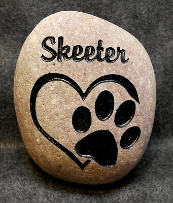 """MEMORIAL PAW / HEART 8"""" STONE ENGRAVED PERSONALIZED NAME for DOG or CAT"""