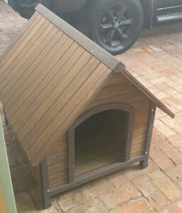 Dog Kennel wooden medium assembled