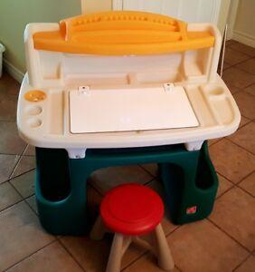 Preschooler Art Desk with Stool