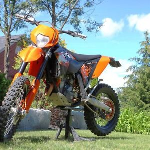 Blue plates and street legal KTM 250 XCF-W   Only 133 hours!!