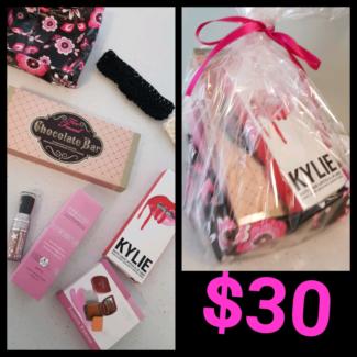 Makeup gift packs under $50