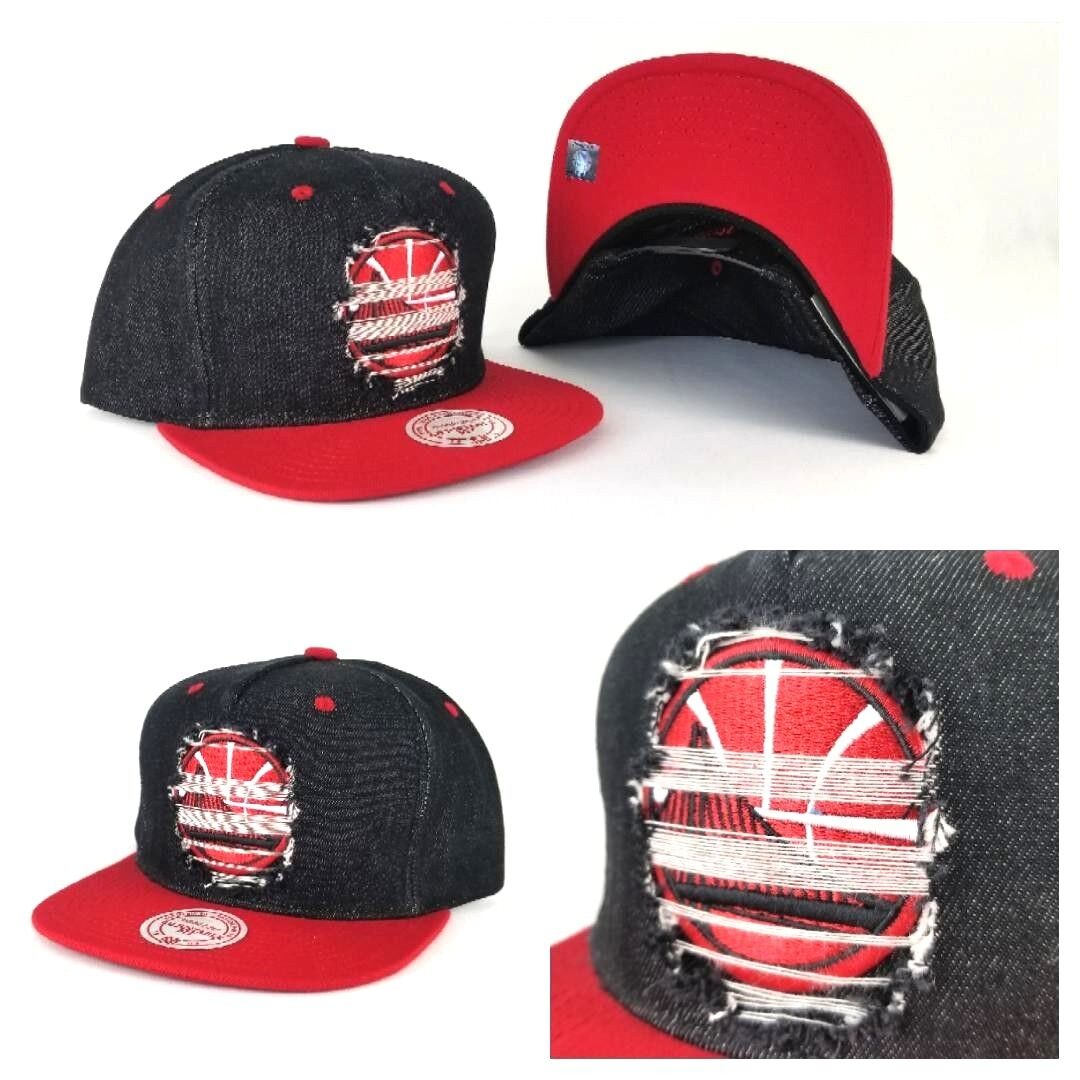 da0a35e59385e1 Details about Mitchell & Ness Golden State Warriors Denim Black / Red  Distressed snapback Hat