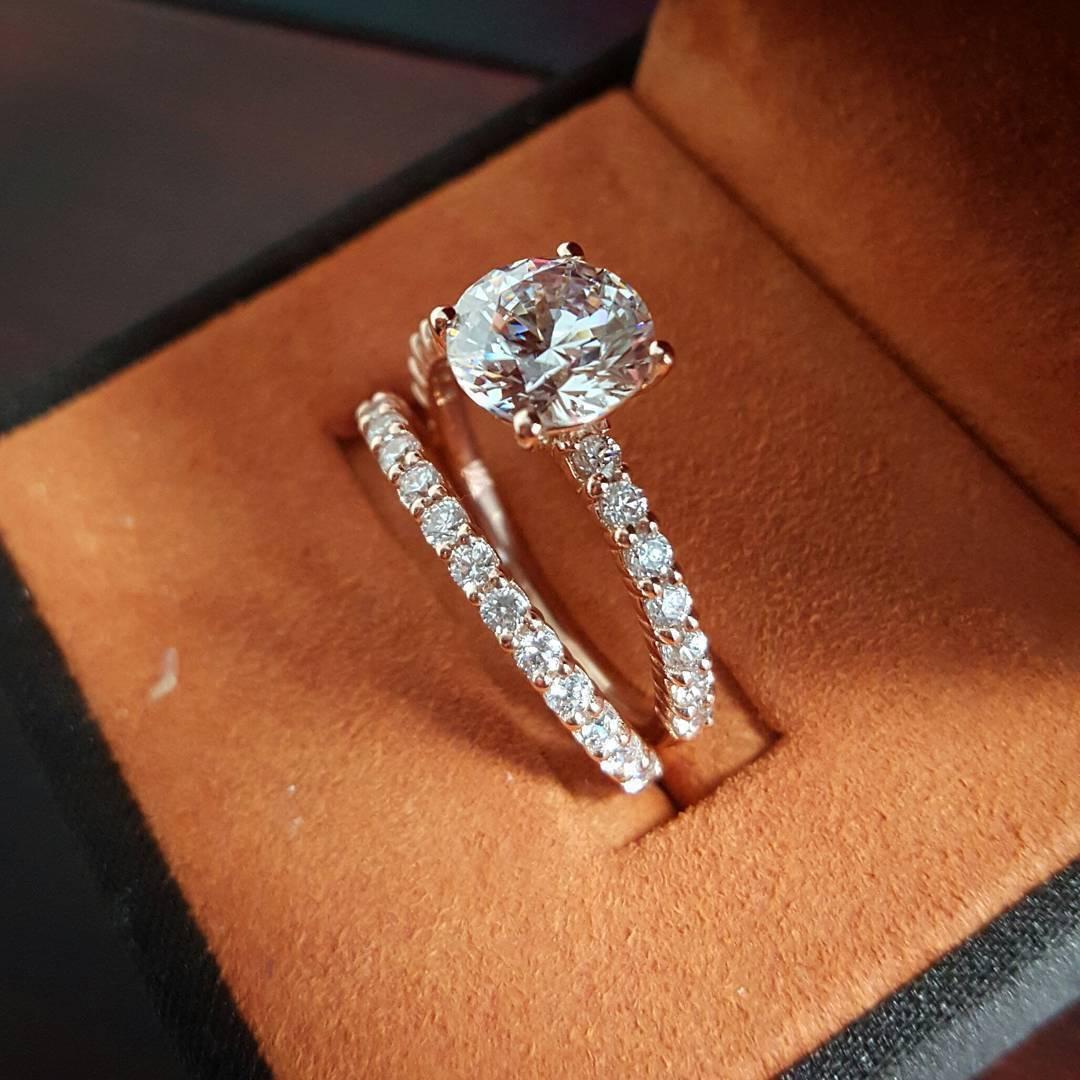 2.70 Ct Natural Round Dainty Band Pave Diamond Engagement Bridal Set - GIA Cert