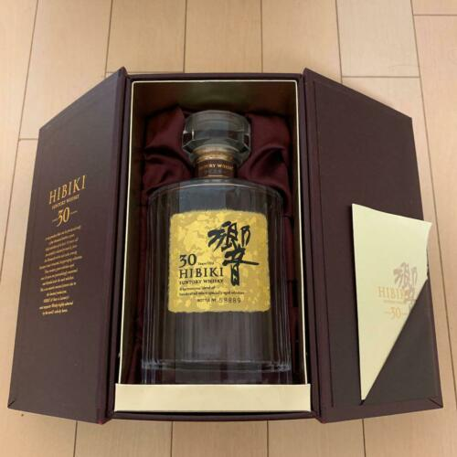 Suntory Hibiki 30 years Bottle ( Empty) & Box