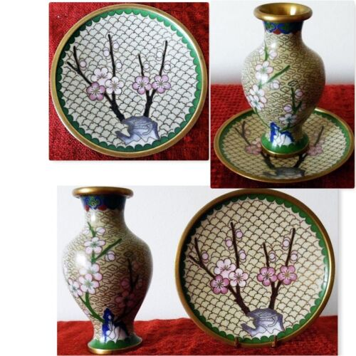 Small oriental floral enamel brass cloisonné vase with spill plate 11cms
