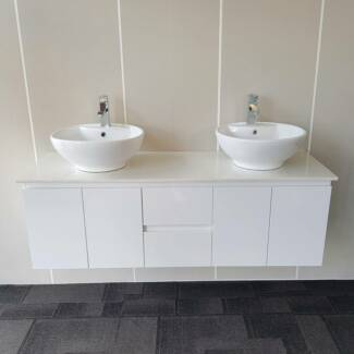 Wall hung vanity seconds bathroom warehouse outlet for Bathroom seconds brisbane