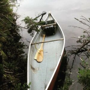Canoe with trolling motor