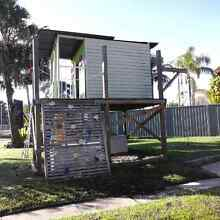 Cubby house Tumbi Umbi Wyong Area Preview