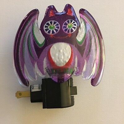 Bat Night Light Acrylic Purple  Midwest Seasons Lights in the Night New in Box](Light The Night Halloween)