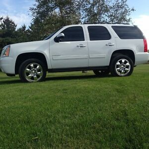 2011 GMC Yukon SLT mint condition! **need gone**