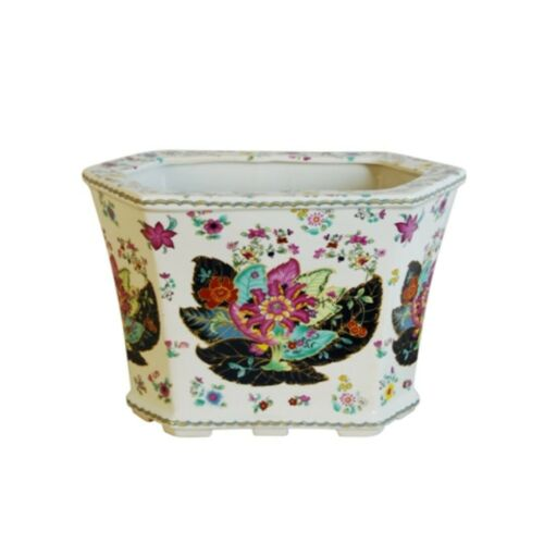 Beautiful Oriental Tobacco Leaf Hexagonal Porcelain Pot