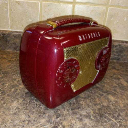 Vintage Deco Motorola Radio AC DC Battery