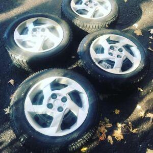 4 pneus hiver 185-65-15 avec Jantes 4x100 !!!