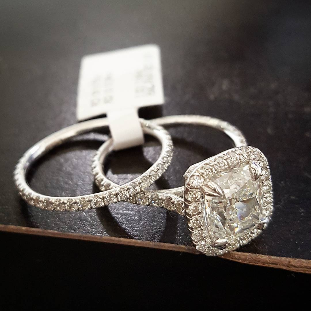 2.20Ct Cushion Cut Pave Halo Natural Diamond Engagement Ring GIA Certified